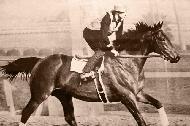 Seabiscuit juara balap kuda pacu di Amerika Serikat